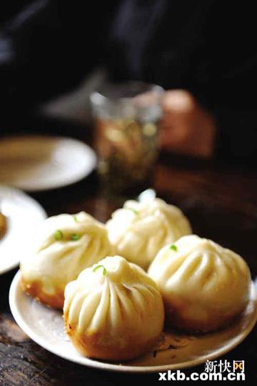 有百年历史的品芳园主要做苏式小吃