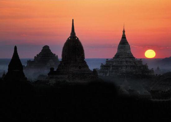 缅甸平原佛塔群