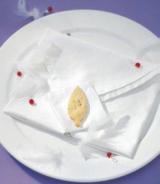 餐巾折成信件