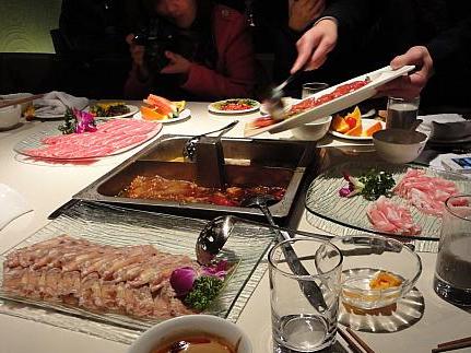 水中游火锅 春天里的第一道美食