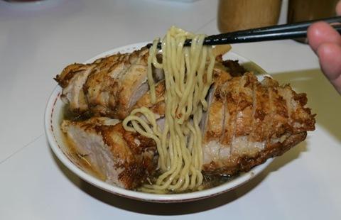 肉比面多的日本拉面2