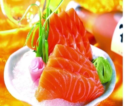 三文鱼等饮食疗法应对关节炎