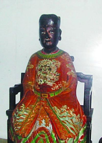 郑和福建长乐木雕像。