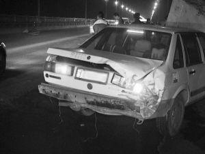 就是这辆车撞上了出租车。记者 卢斌 摄