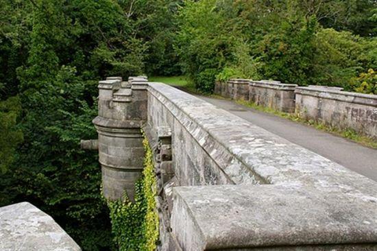 苏格兰邓巴顿郡的欧沃顿桥