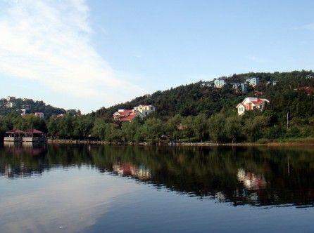 门票:8元    四,玄武湖   玄武湖为古都南京国家级钟山风景区的