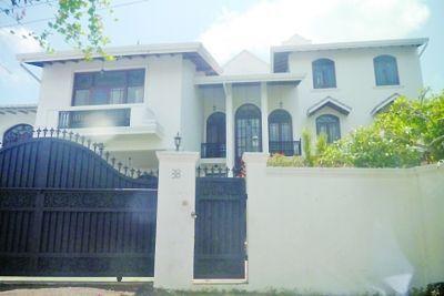 位于斯里兰卡某地的别墅成为犯罪窝点。