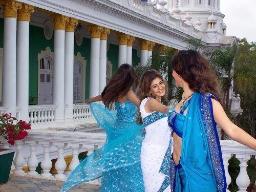 揭秘:印度美女为何从不坦露大腿