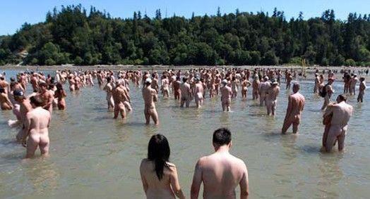 组图:全球好评最多的裸晒海滩