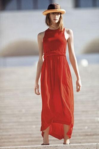 橘色长裙优雅气质尽显
