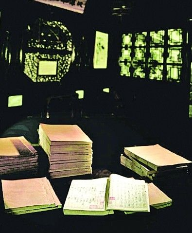 清代苏州著名藏书楼的一批国宝级藏书,以2.16亿元被我省凤凰出版传媒集团一举拍下,创中国古籍拍卖世界纪录