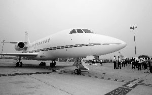 金盛集团购买的猎鹰2000L商务机