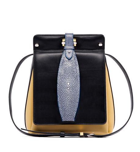 Balenciaga新款挎包,以优雅的咖啡色结合蓝色珍珠皮,设计精巧、独特而富有个性。