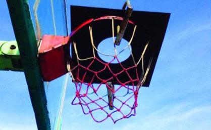 【第83期】篮球框上锁 人心比锁更冰凉