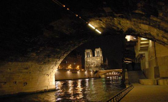 组图:排水系统各有特点巴黎下水道另类游