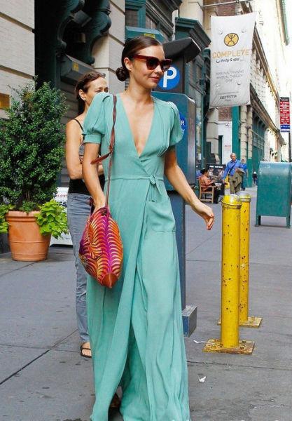 米兰达-可儿超美的绿长裙图片