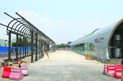 连云港BRT一号线中间站开建
