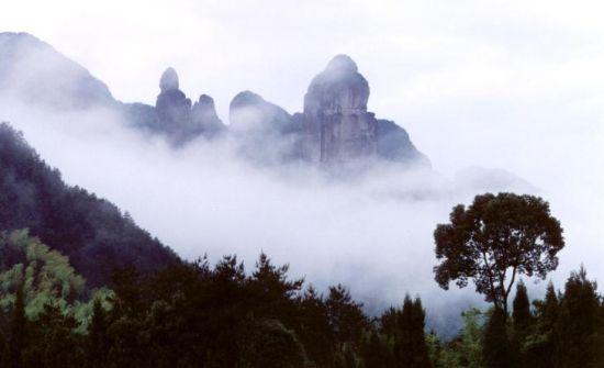 庐山夏季风景图片