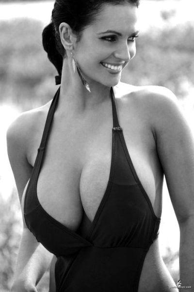 男人都是不是不会爱小乳房_