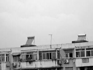 南京很多太阳能热水器超期服役。