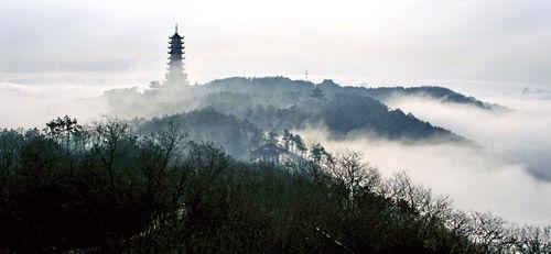 香山风景区   旅游   张家港新闻网; 诗歌入选《新文坛》全国诗人专号