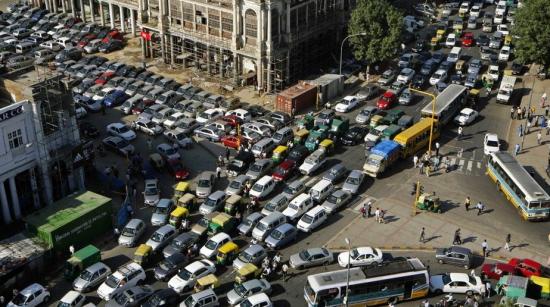"""组图:不堪重负的城市交通世界各地堵车""""盛况"""""""