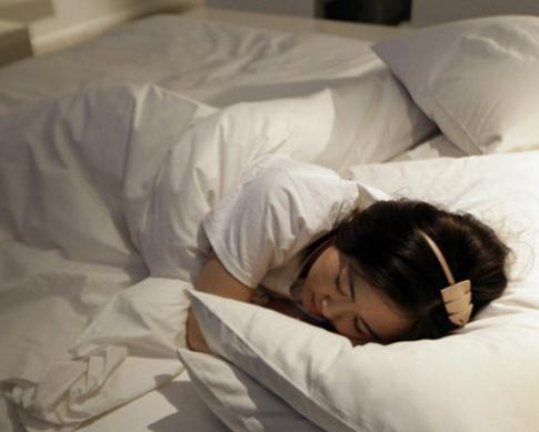 揭秘漂亮女试睡员私密生活