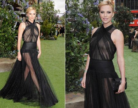 外媒评2012最大胆红毯着装女星