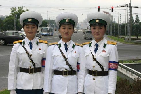 揭秘朝鲜女交警盘点全球各地的美女警花