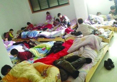 小区藏3家无证幼儿园 50多孩子蜗居百余平米教