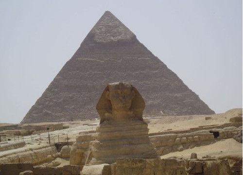 《木乃伊》与金字塔