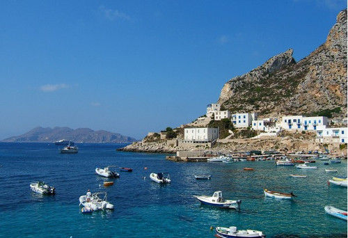 《西西里岛的美丽传说》与意大利西西里岛