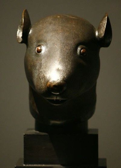 资料图片:兔首铜像-法国皮诺家族宣布将圆明园兽首无偿捐赠中国
