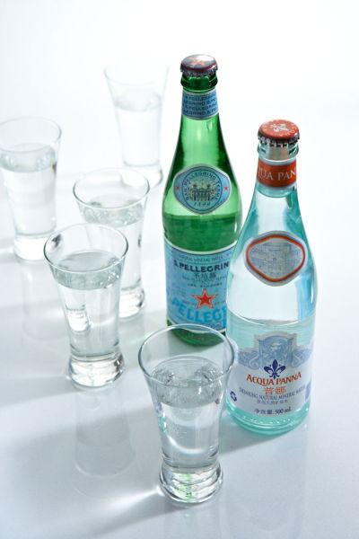 意大利中部:1美元可以买到6瓶矿泉水