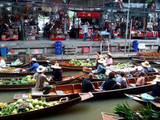 泰国清迈:1美元可以买到很多东西,小吃摊上的东西都不超过1美元