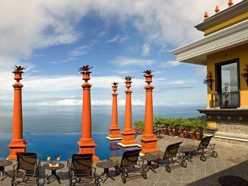 位于哥斯达黎加赫拉多拉的别墅Zephyr Palace