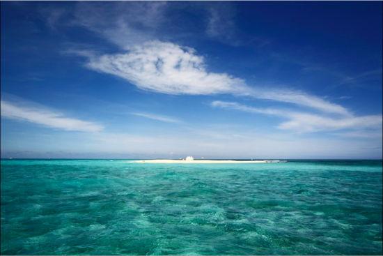 碧蓝的海水