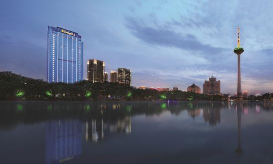 沈阳香格里拉大酒店远眺青年公园及电视塔