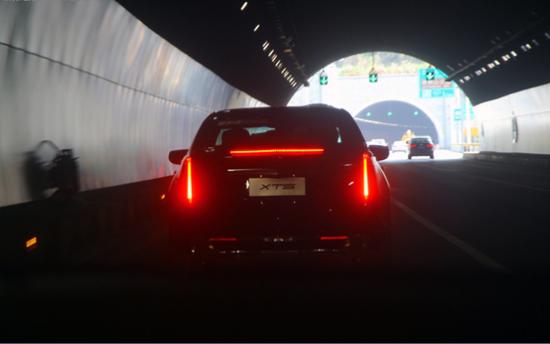 宝马i8真实图片 汽车图片