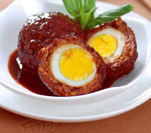 红烧鸡蛋狮子头   红烧鸡蛋狮子头原料:   猪前腿肉(剁碎)、...