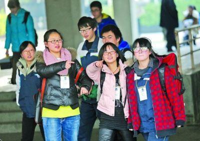 江苏2014美术高考开考 比去年少3000多考生(