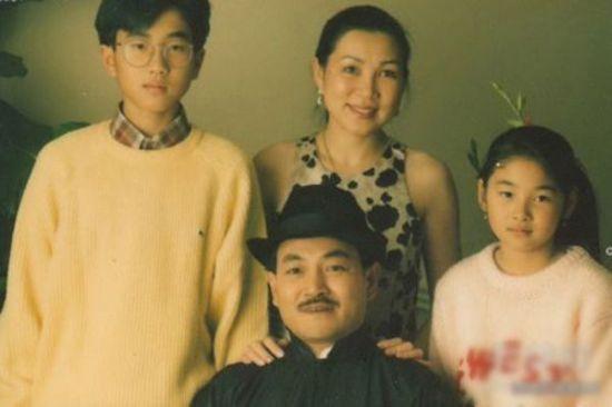 刘恺威童年全家