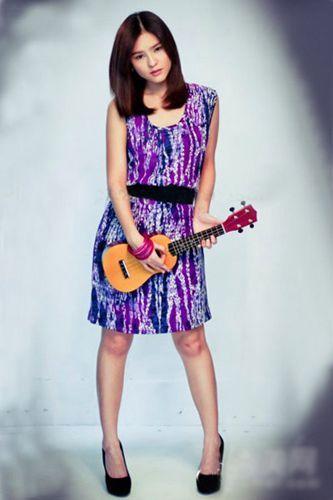 李海娜紫色印花束腰连衣裙