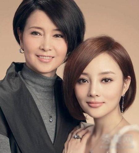 李小璐和妈妈张伟欣