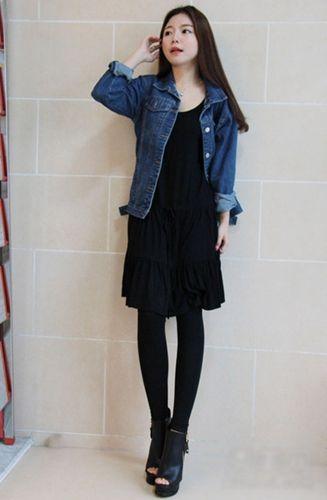 短款牛仔外套+小黑裙