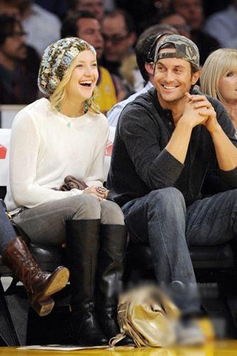 凯特·哈德森 (Kate Hudson) 与哥哥Oliver Hudson (右)