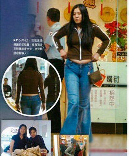 之前网上也曝光过王祖贤的生活照