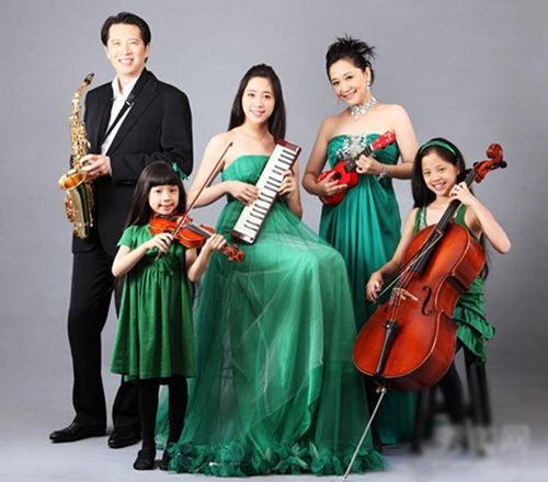 大提琴公主欧阳娜娜的全家福