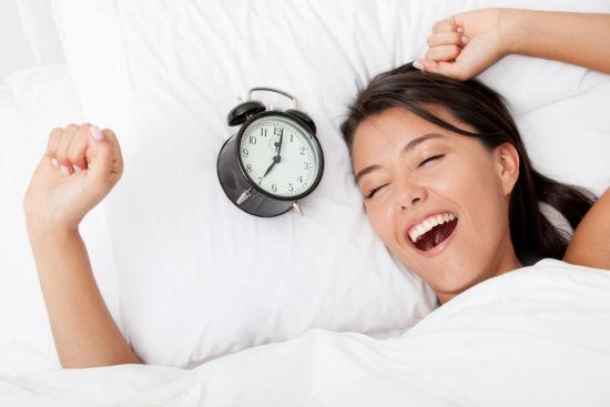 起床习惯探知女人心:敷面膜心思细