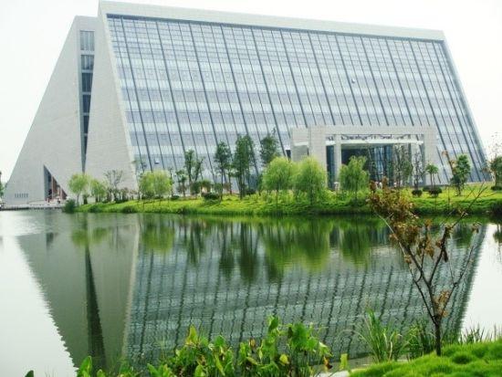 最美大学之扬州大学七大校区提前知